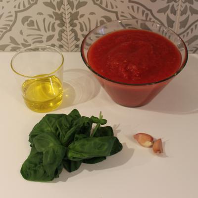 how to make tomato passata sauce